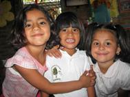 Portrait of three girls (Photo: Sergio Beer)