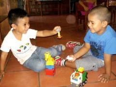 Happy children at the community centre (photo: V. Carballo)