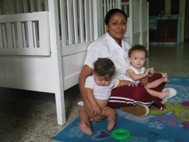 Zobeyda and two children (Photo: Sergio Beer)