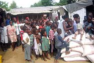 Distribution of rice in one of the orphanages - Photo: SOS Archives