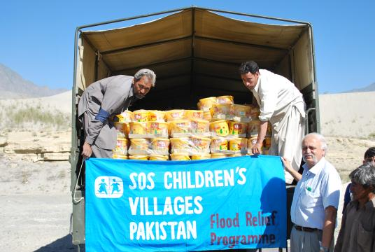 sos childrens village in pakistan Mobilink foundation organized an activity in sos hildren's village, quetta where mobilink torchbearers (volunteers) spent a day with the socially displaced children.