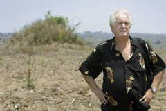 Henning Mankell on the plot of land where the new SOS Children's Village will be built - Photo: Björn Lindgren