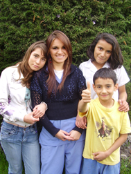 Yuli with her SOS siblings (Photo: SOS Archives)