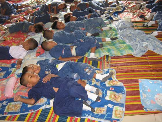 Children taking a nap at the SOS Kindergarten (photo: SOS archives)