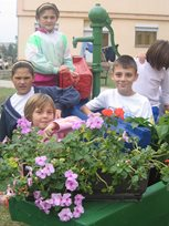Children from SOS Children's Village in Skopje (photo: SOS archives).