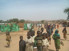 Vast refugee camps in the desert: Oure Cassoni in Chad - Photo: Y. van den Broek