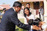 Welcome to Prime Minister Hun Sen - Photo: SOS Archives
