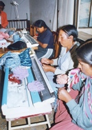 'Pollera' women at work in one of the micro-businesses (Photo: F. Espinoza)