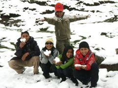 SOS siblings on a trip up the mountain (photo: F. Espinoza)