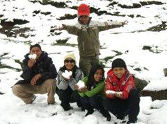 SOS siblings on a trip up the mountain (photo: F. Espinoza)