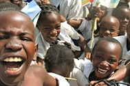 Enthusiastic children from the village in Bangui - Photo: FIFA