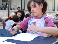 Drawing as a way to cope with the situation - Photo: SOS Syria