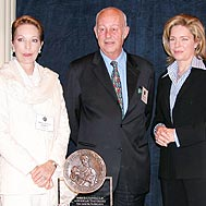 From left to right: Princess Salimah, Helmut Kutin and Queen Noor from Jordan - Photo: I. Brandvoll