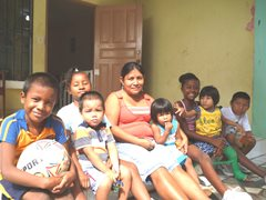 An SOS family from Colón (photo: I. Molinar)
