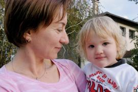 Child with SOS mother (photo: K. Ilievska)