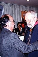 Ambassador Javier Loayza presenting Heinrich Mueller with the award - Photo: F. Espinoza