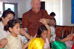 President Kutin dancing with children from Samarkand - Photo: M: Mägi