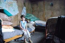 Children at risk. SOS Children's Villages work to keep families together © k. Ilievska