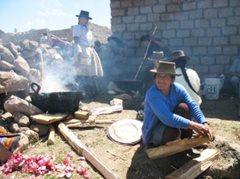 Mothers at the SOS Social Centre (photo: F. Espinoza)