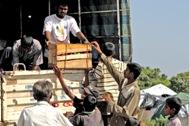 Distribution of vegetables in Komari, Sri Lanka - Photo: S. Posingis