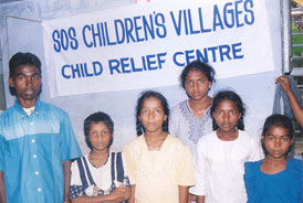 Children being orphaned by the tsunami at the coastal villages in India - Photo: SOS Archives